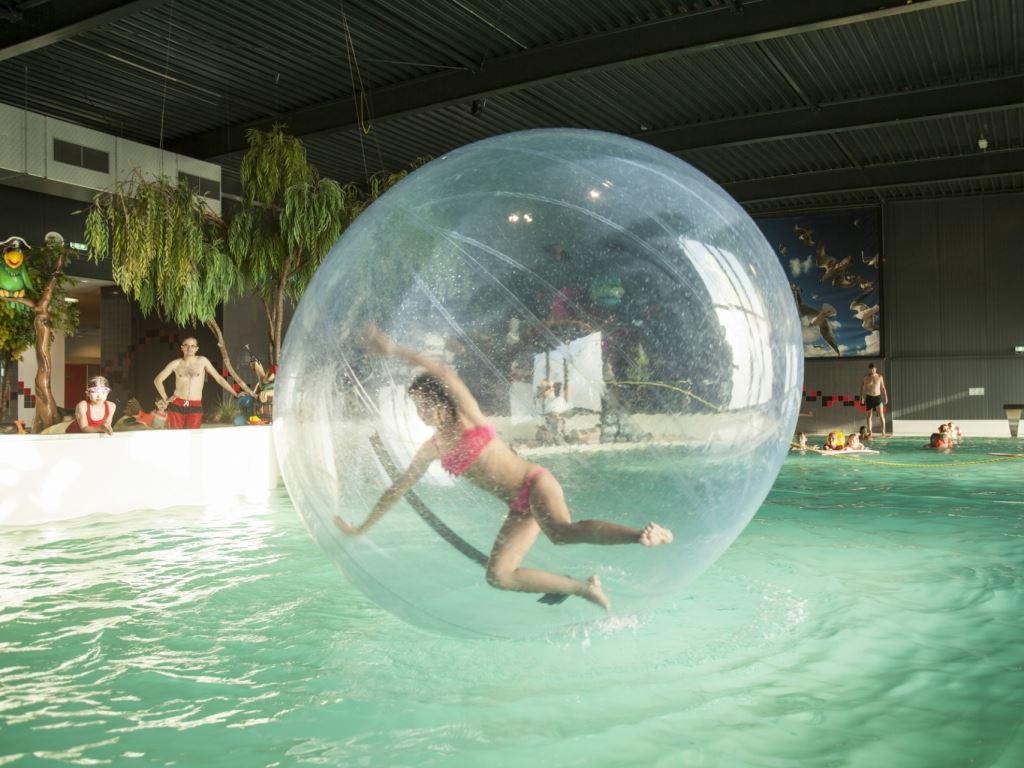 Zwemmen bij landal esonstad - Ontwikkeling rond het zwembad ...